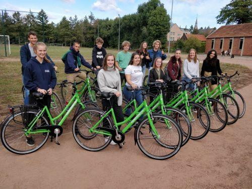 Twintig nieuwe fietsen voor onze school